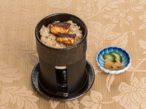 一人釜炊き鯛飯と香の物