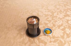 一人釜で炊く鴨ご飯と香の物