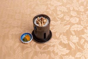 一人釜で炊く白ご飯と香の物